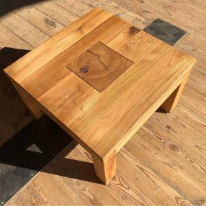 drewniany stolik kawowy zrobiony z debu