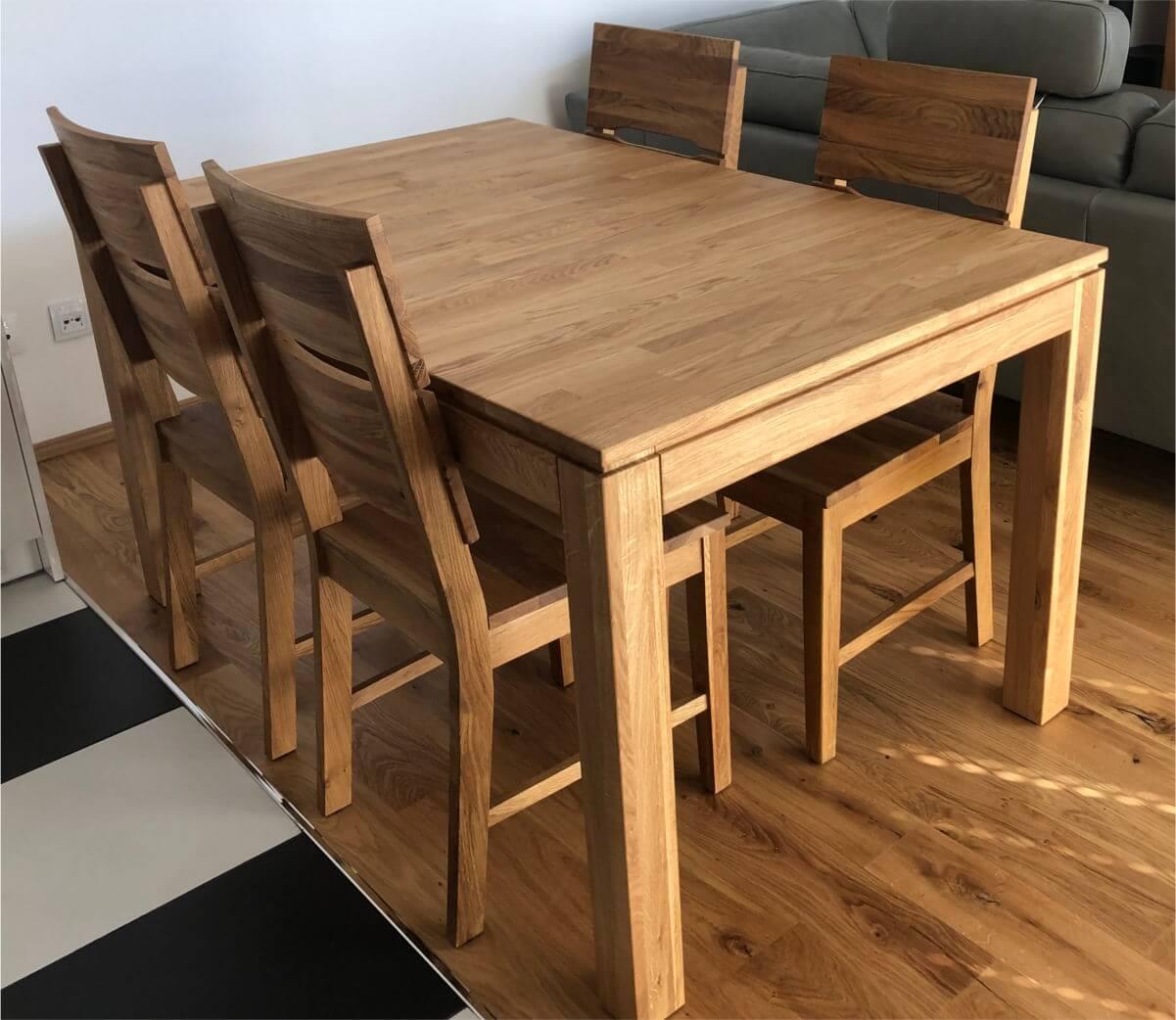 stół rozkladany z drewna